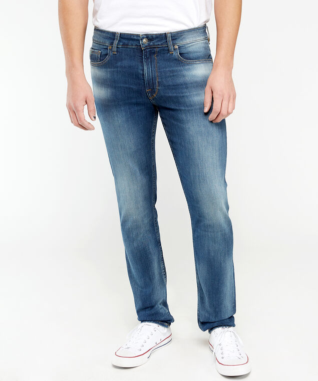 slim tapered,