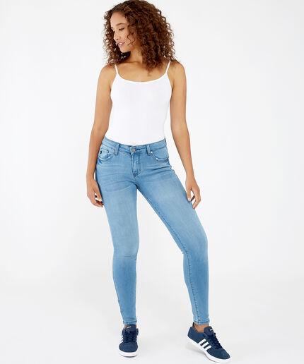 https://www.bootlegger.com/dw/image/v2/AANE_PRD/on/demandware.static/-/Sites-product-catalog/default/dw4a051333/images/bootlegger/women/jeans/1521kc7085hrlholly_1.jpg?sw=460&sh=516&sm=fit