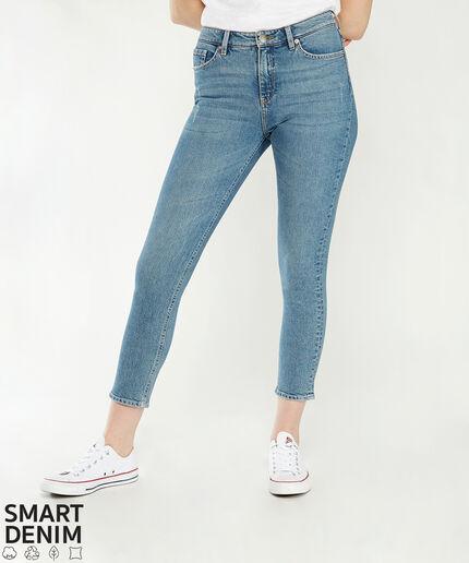https://www.bootlegger.com/dw/image/v2/AANE_PRD/on/demandware.static/-/Sites-product-catalog/default/dwd0dc147f/images/bootlegger/women/jeans/8279theslimstrtmsw_1.jpg?sw=460&sh=516&sm=fit