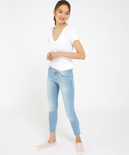 https://www.bootlegger.com/dw/image/v2/AANE_PRD/on/demandware.static/-/Sites-product-catalog/default/dwfad80cb2/images/bootlegger/women/jeans/1351w92aj3d3921_1.jpg?sw=460&sh=516&sm=fit